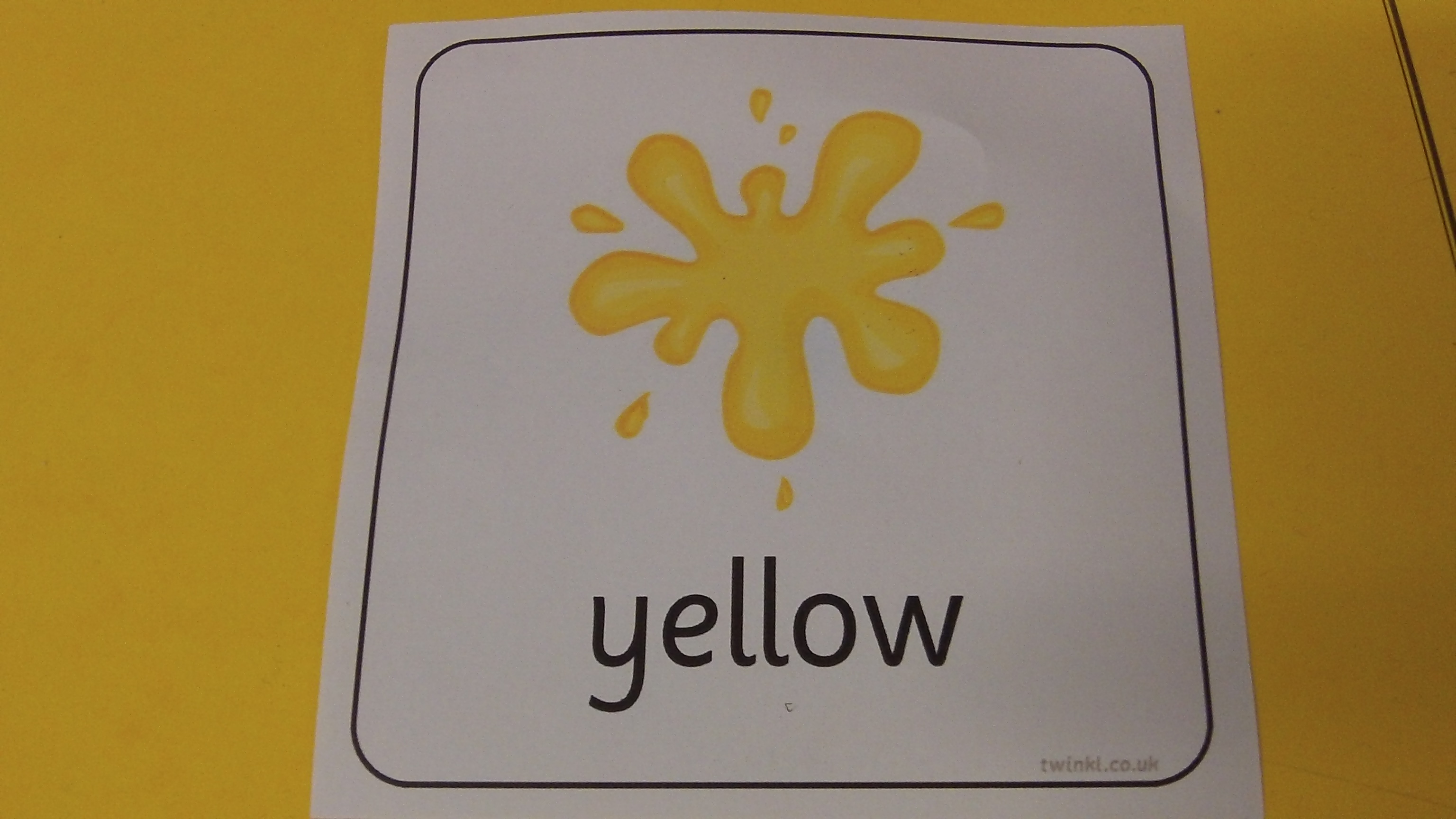 Twinkl Resource Yellow Colour Flashcard