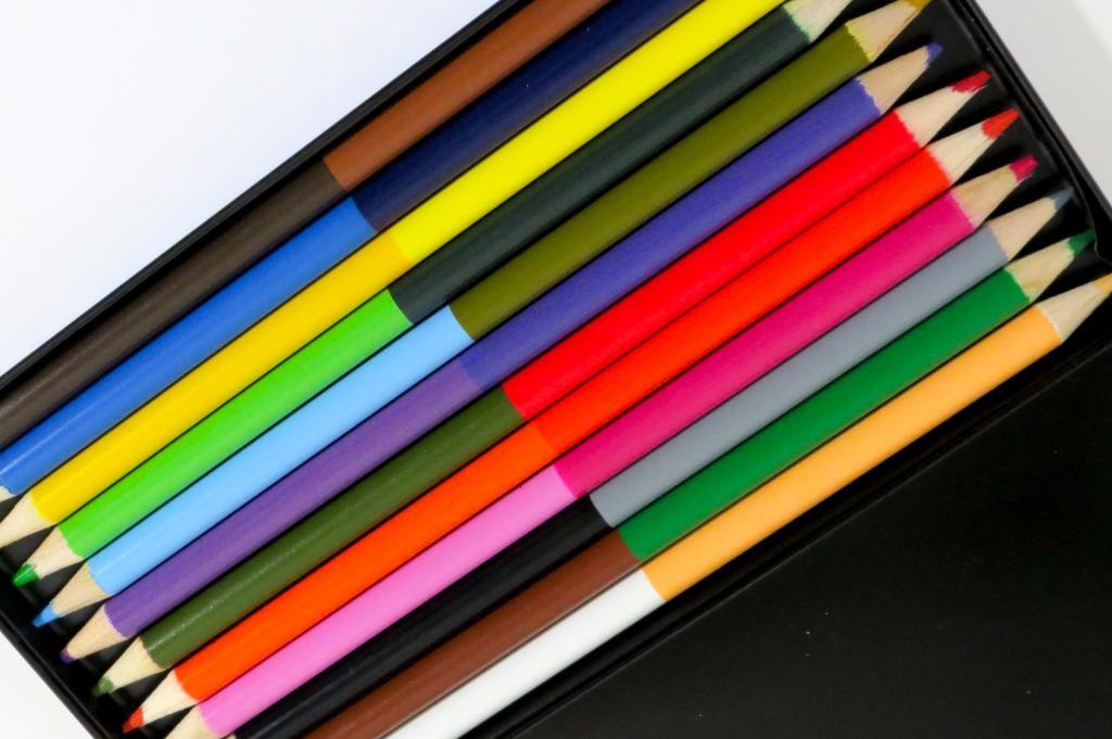 box pencils crayons